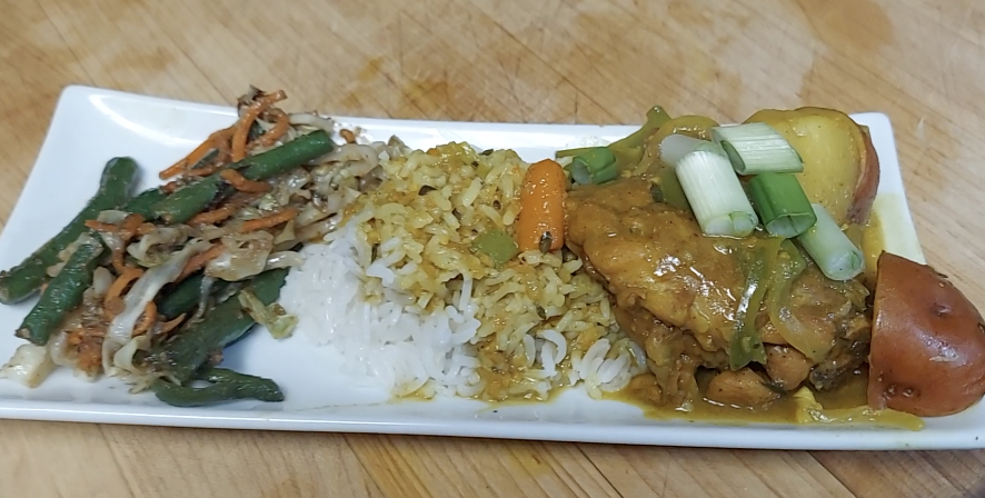 How To Make Curry Chicken With Stir Fry Vegetables Over Jasmine Rice [VIDEO]